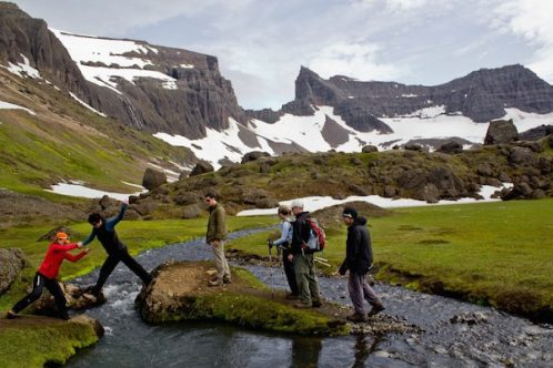 island hiking mountainguides.is