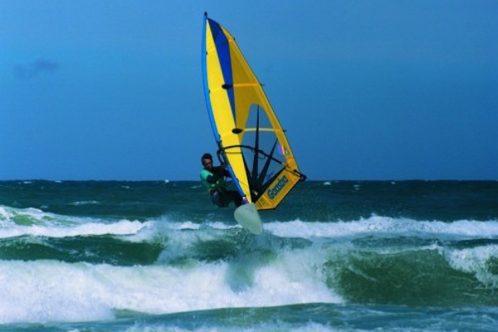 DK_JUetl_Windsurfing_BentNaesby_VisitDenmark-498x392