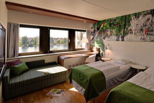 Scandic-Copenhagen-family-room-bedroom