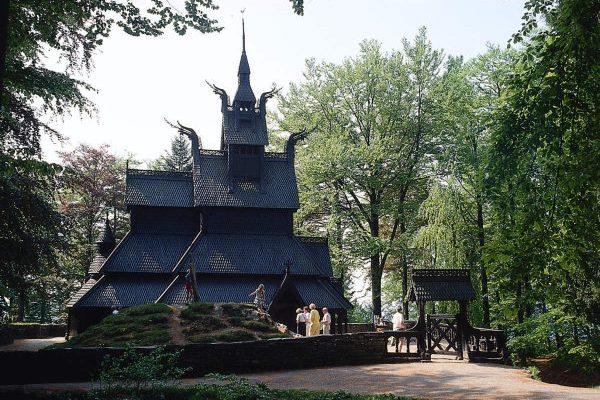 stabkirche-fantoft-visitnorway1