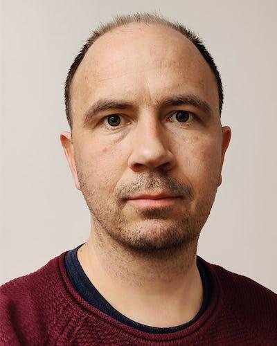 Porträttbild på Erik Fredholm, apotekare på läkemedelscentrum i Region Örebro län.